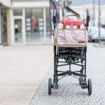 wickeltasche modern an kinderwagen